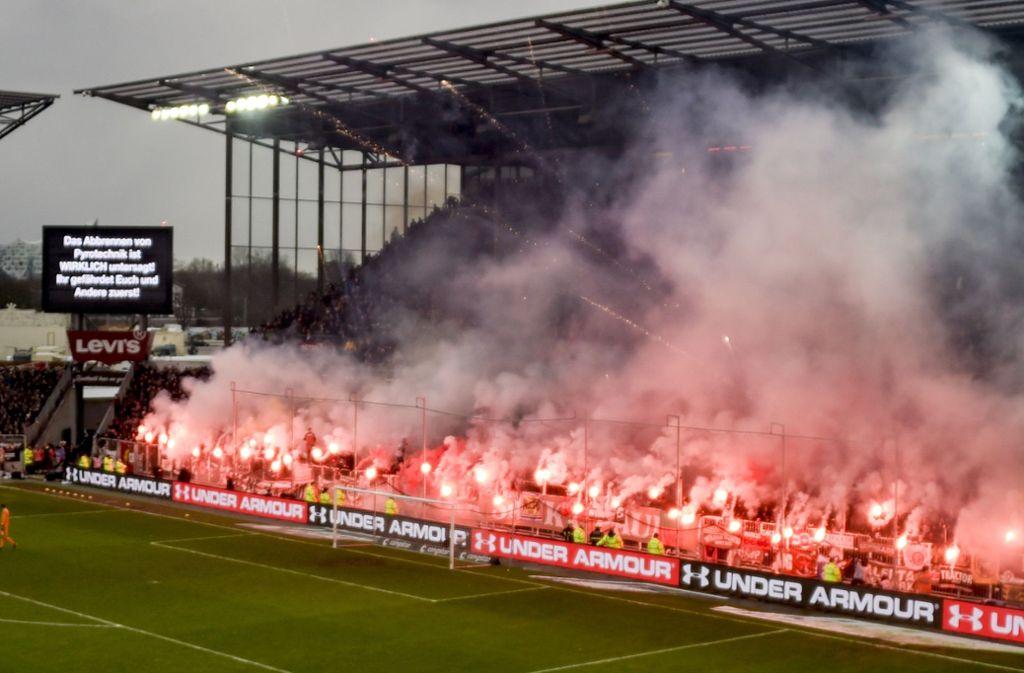 Für den VfB bahnt sich die Relegation an. Köln, der HSV, Union Berlin, St. Pauli, Kiel ...