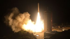 Epsilon-3 bringt Privatsatelliten ins All