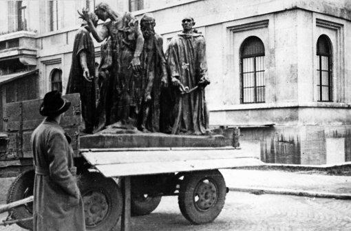 """Tonnenschwere Beutekunst: Rodins """"Bürger von Calais"""" Foto: Zentralinstitut für Kunstgeschichte"""