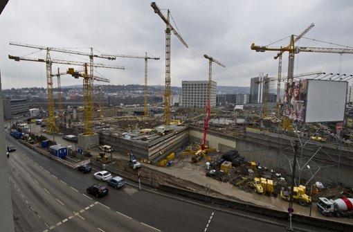 Die Milaneo-Baustelle. Klicken Sie sich durch die Baustellenbilder und Fotos des künftigen Mailänder Platzes/Europaviertels. Foto: Max Kovalenko