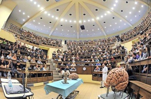 Alltag an den Hochschulen im Land: Das Interesse am Medizinstudium ist groß, Experten fordern deutlich mehr Studienplätze, um den Ärztebedarf der Zukunft abdecken zu können Foto: dpa-Zentralbild