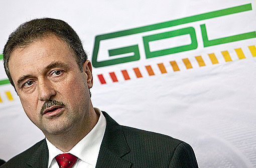 GDL-Chef Claus Weselsky fordert, die Bauarbeiten während der Gespräche am runden Tisch ruhen zu lassen. Foto: dpa