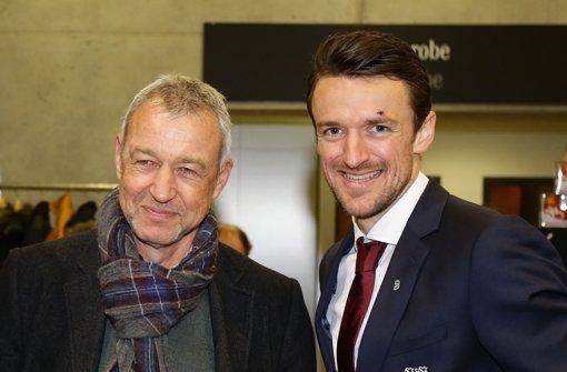 Beim VfB-Neujahrsempfang: Legende Karl Allgöwer (links) und Kapitän Christian Gentner. Foto: Pressefoto Baumann