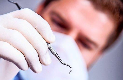 Zahnarzt wird als Rassist beschimpft