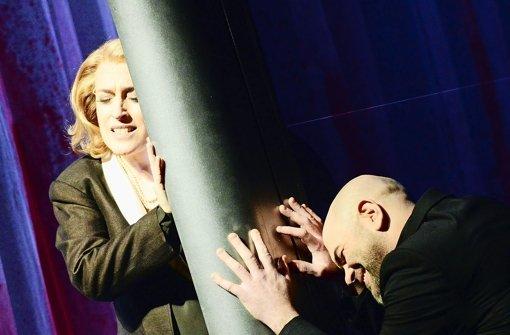 Barbara Dobrzanska (Lady Macbeth) und Jaco Venter (Macbeth) Foto: Falk von Traubenberg