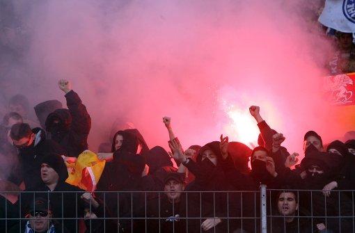 KSC-Fans kündigen Jagd auf Schwaben-Fans an