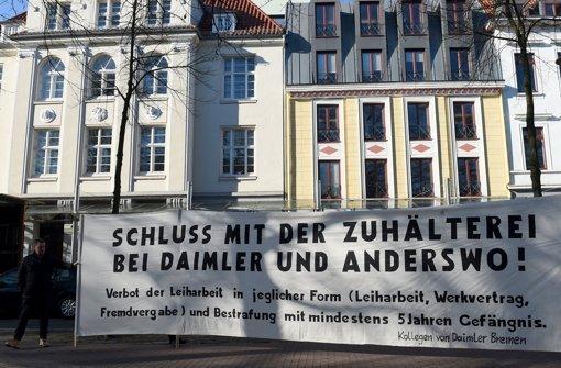 Auch der neuerliche Protest vor der Verhandlung hat nichts gebracht: Die Klagen gegen die Abmahnungen wurden vom Gericht abgewiesen. Foto: dpa