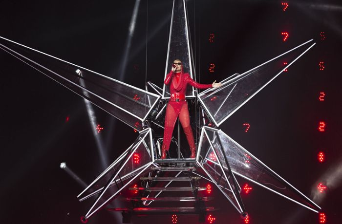 Witness: The Tour: Katy Perry im feuerroten Bühnenoutfit
