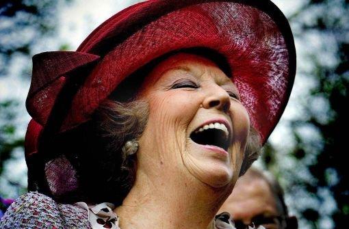 Kurz vor ihrem 75. Geburtstag am 31. Januar überrascht Königin Beatrix die Niederländer: Die Monarchin gibt das Zepter an ihren Sohn Willem-Alexander weiter. Foto: dpa