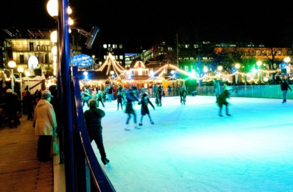 Wann Beginnt Der Weihnachtsmarkt In Stuttgart.Wer Kennt Sie Nicht Die Kleine Eisbahn Neben Dem Schlossplatz Der