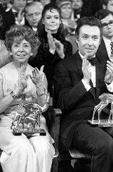 Auch bInge Meysel/b ist bei Bambi-Verleihungen gut weggekommen. Die 2004 verstorbene Schauspielerin wurde sechsmal ausgezeichnet, bPeter Alexander/b hatte sogar zehn Rehkitze zu Hause. Foto: Burda