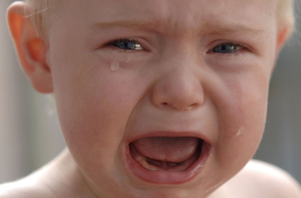Kreis Rastatt: Kleinkind weint stundenlang auf Balkon