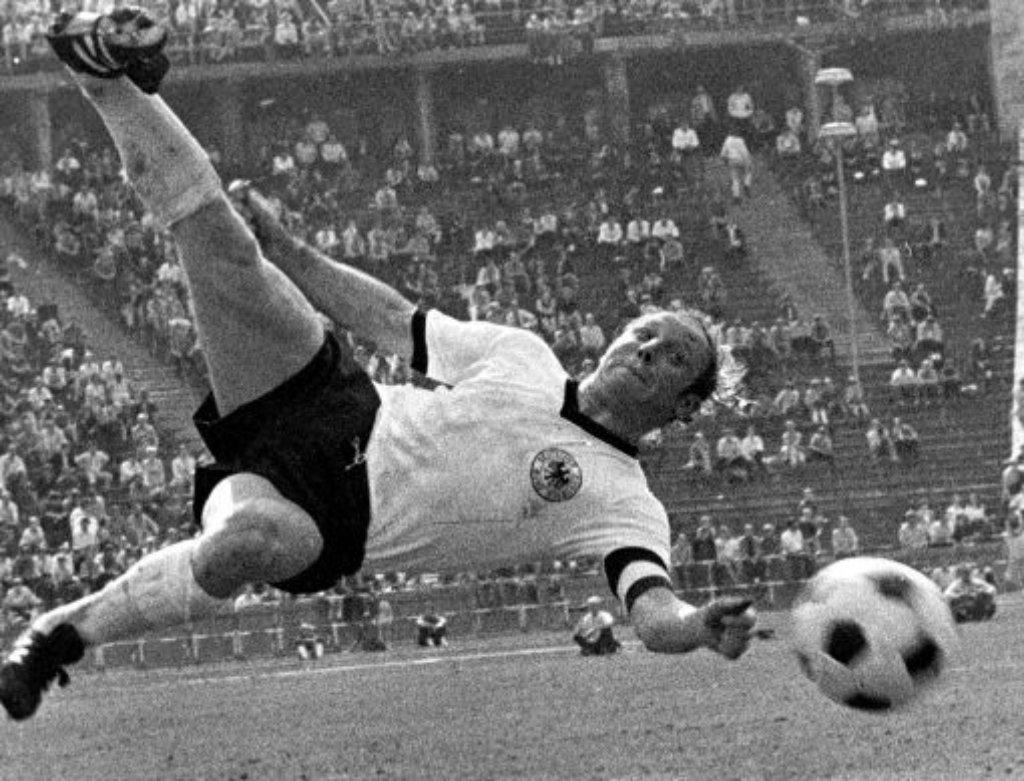 Uwe Seeler War Dabei Beim 1970 Verlorenen Jahrhundertspiel Gegen Italien In Mexiko Stadt Deutschland Schaltete