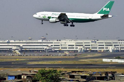 Flugzeug mit rund 48 Menschen abgestürzt