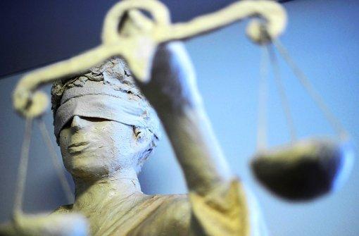 Den Angeklagten drohen mehrjährige Haftstrafen. Foto: dpa