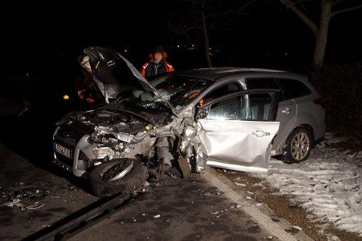 Betrunkener Fahrer bei Crash schwer verletzt