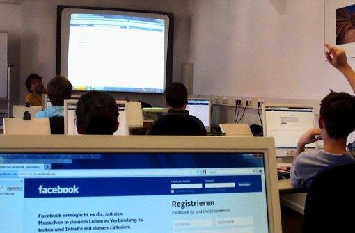 Wer im sozialen Netzwerk Facebook unterwegs ist, sollte auch die Tücken kennen. Foto: sk