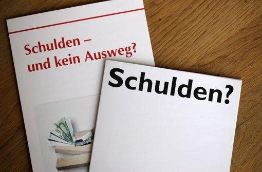 Viele Schuldner suchen Hilfe bei der Stuttgarter Schuldnerberatung. Doch dort ist die Warteliste lang. Foto: dpa