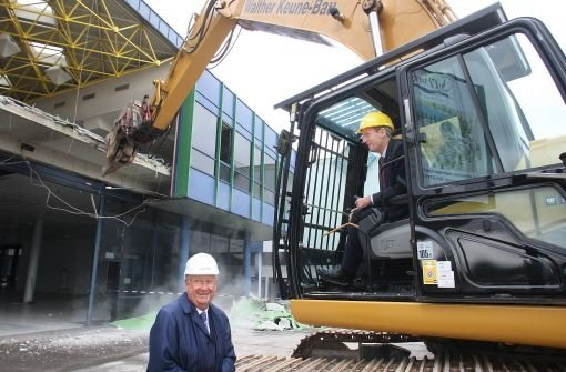 Rudi Hässler (li.) und OB Wolfgang Schuster beim Baubeginn des Projekts Seepark am Möhringer Probstsee  Foto: Hörner