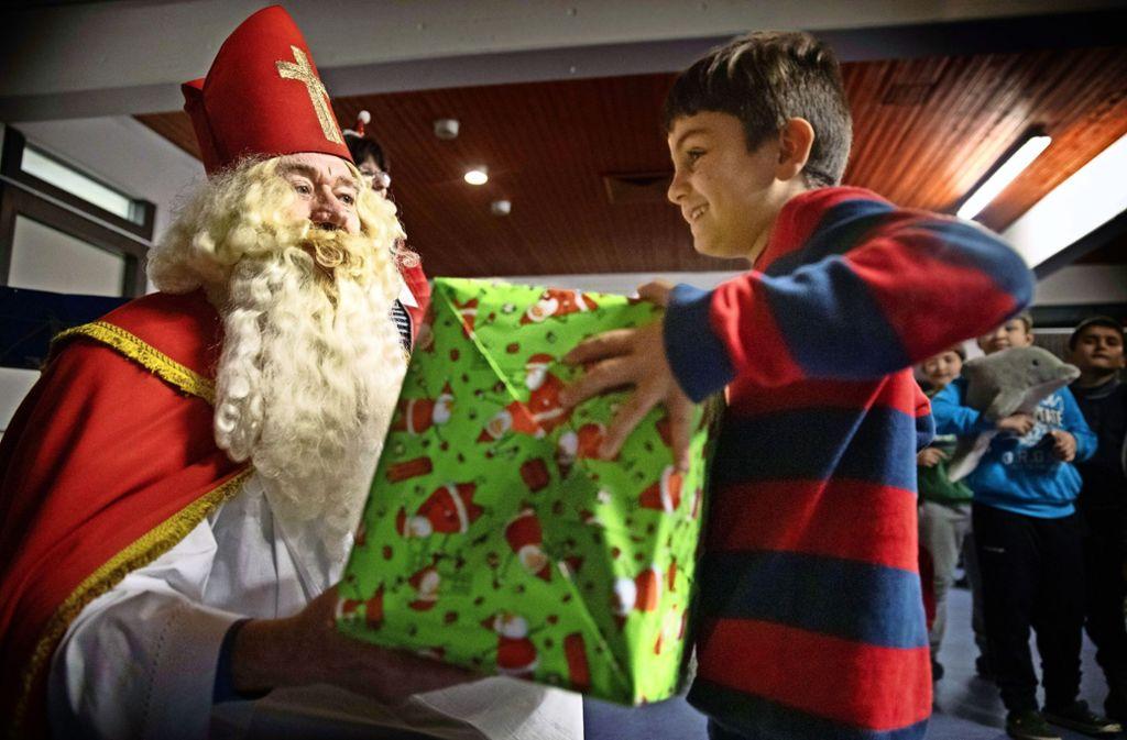 Weihnachtsfeier Was Tun.Weihnachtsfeier In Waiblinger Asylunterkunft Herzenswünsche Prompt