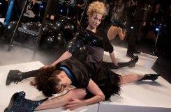 Bei der Schau von Sebastian Ellrich mussten die Models entweder allerhand sportliche ... Foto: dpa