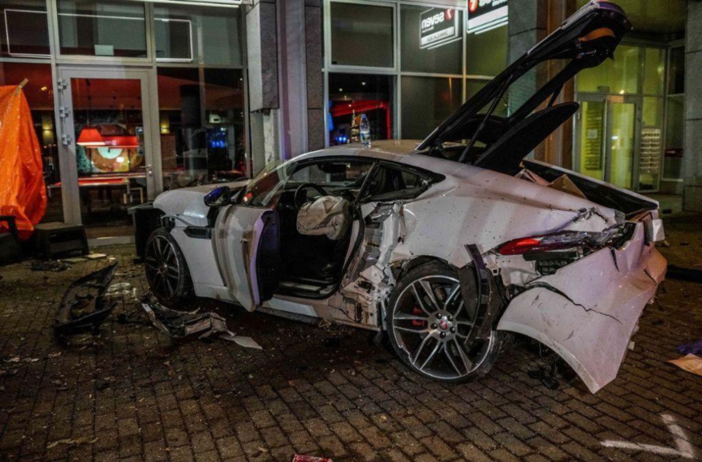Unfall Jaguar Stuttgart