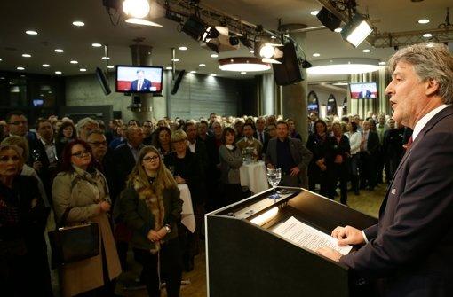 VfB-Präsident Bernd Wahler spricht zu den Gästen beim Neujahrsempfang. Foto: Pressefoto Baumann