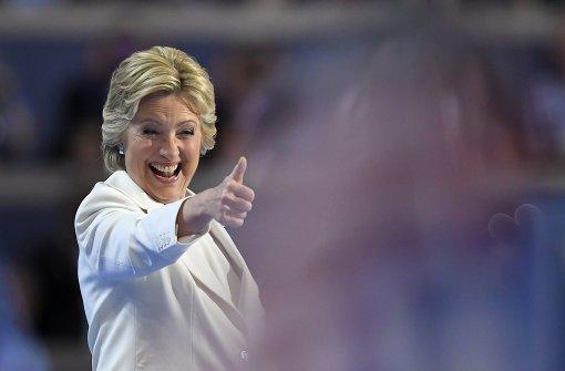 Clinton wetzt die Säbel