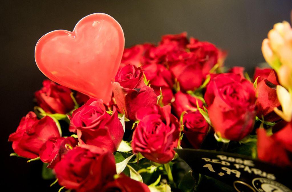 Warum schenkt man zum valentinstag blumen