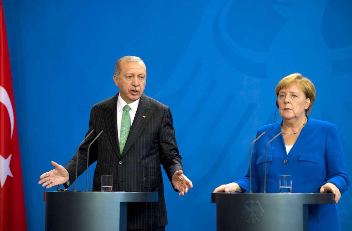 Kanzlerin besucht Türkei: Was Merkel mit Erdogan zu besprechen hat -  Politik - Stuttgarter Nachrichten