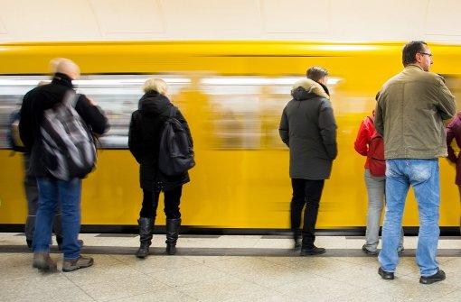 Toter auf U-Bahn-Dach entdeckt