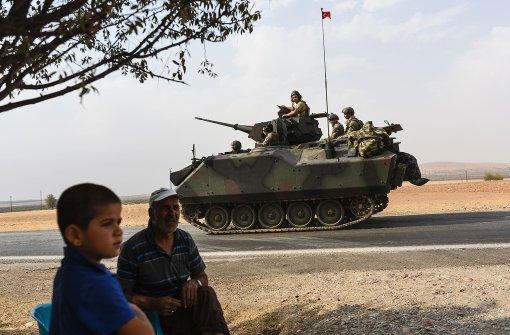 Türkei schickt weitere Panzer nach Syrien