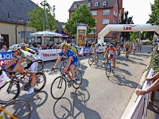 Radrennen rund um die Kelter