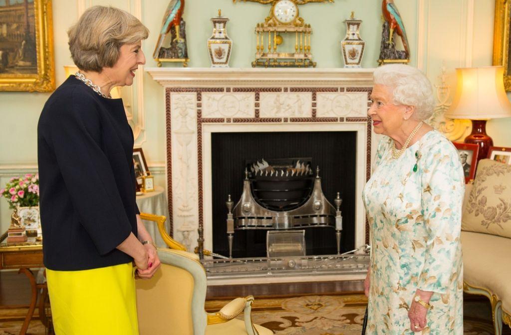 machtwechsel gro britannien theresa may ist britische premierministerin politik stuttgarter. Black Bedroom Furniture Sets. Home Design Ideas