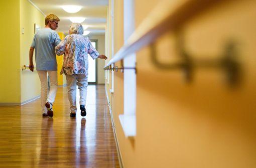 Kabinett beschließt Gesetz für höhere Löhne in der Altenpflege