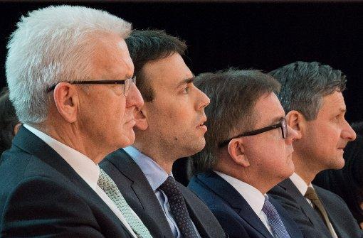 Wir haben den Spitzenkandidaten der sechs aussichtsreichsten Parteien drei Fragen gestellt. Foto: dpa