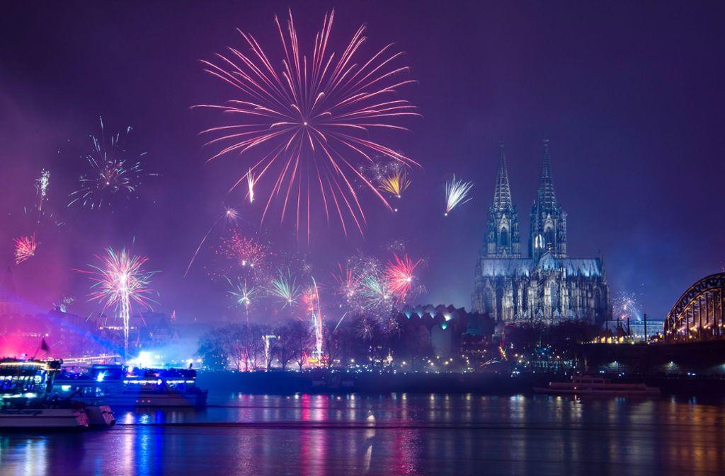 Neujahr: 2019 ist da - Silvesterfeiern in ganz Deutschland ...