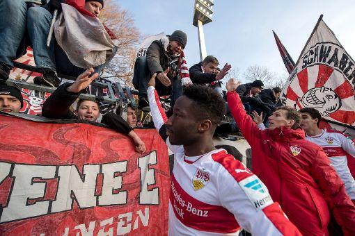 VfB siegt souverän in Aue