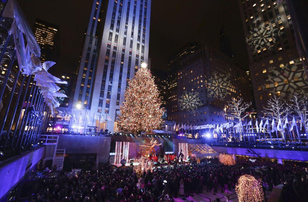 Weihnachtsbaum Rockefeller Center.Weihnachtsbaum Am Rockefeller Center Acht Kilometer Lichterketten
