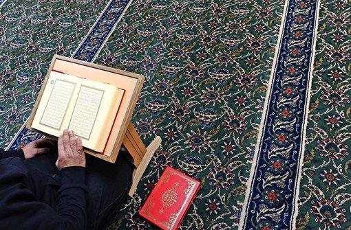 In Stuttgart sind nach einer Schätzung des Statistischen Amts rund zehn Prozent der 600.000 Einwohner Muslime Foto: dpa
