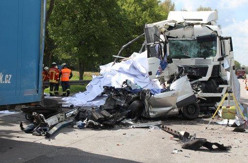 Ein Toter bei Horror-Unfall auf der A5