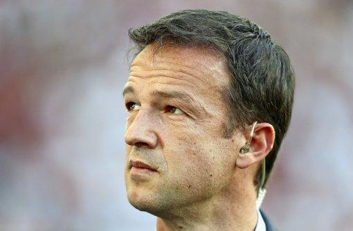 Steht  nach dem erneuten Fehlstart des VfB Stuttgart im Zentrum der Kritik: Sportvorstand Fredi Bobic Foto: Baumann