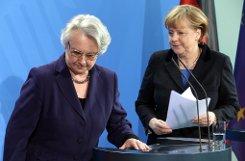 Folge der Plagiatsaffäre: Bundesbildungsministerin Annette Schavan (CDU) tritt zurück. Foto: dpa