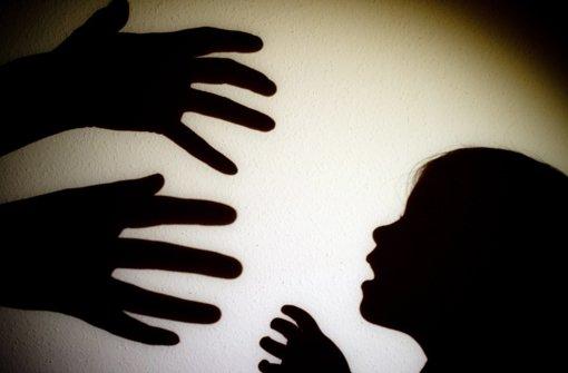 Missbraucht und jung Mutter geworden