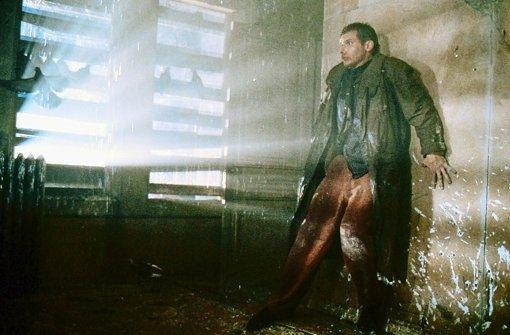 """Kultiger Zukunftskrimi: Szene aus """"Blade Runner"""" mit Harrison Ford in der Rolle des Roboter-Jägers Rick. Foto: defd Deutscher Fernsehdienst"""