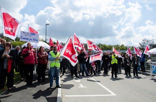 850 Beschäftigte protestieren gegen Stellenabbau