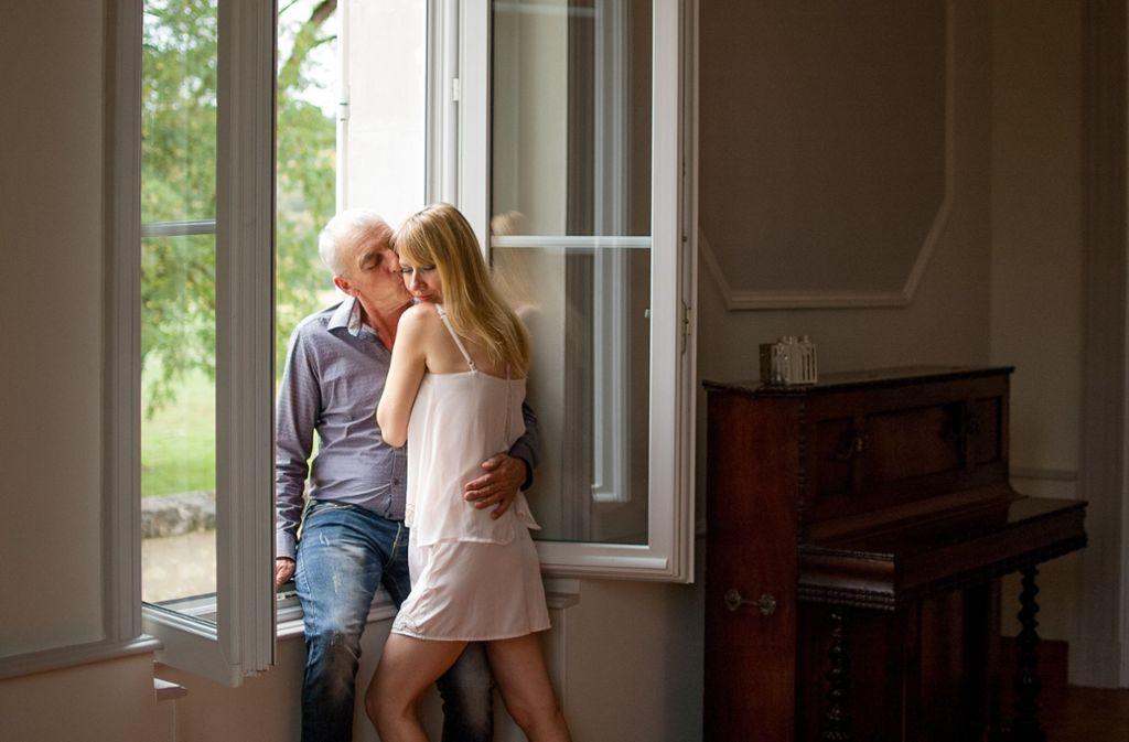 Junge männer ältere frauen lieben Weshalb stehen