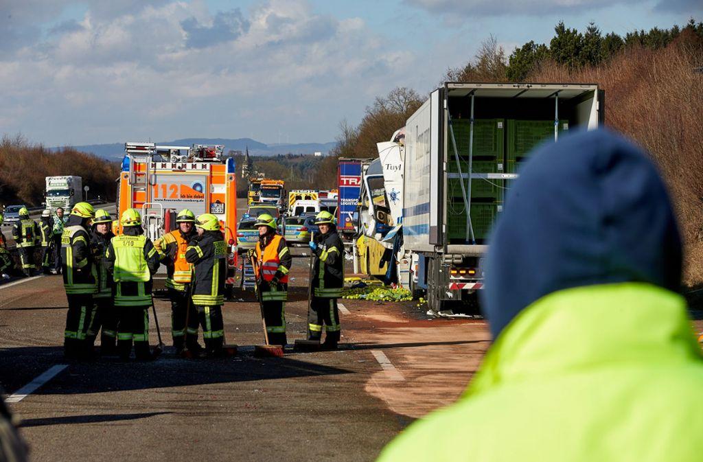 A3 Bei Limburg Zwei Tote Und Viele Verletzte Bei Reisebus Unfall