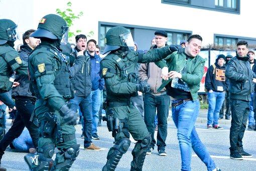 Polizei und Demonstranten stoßen oft zusammen