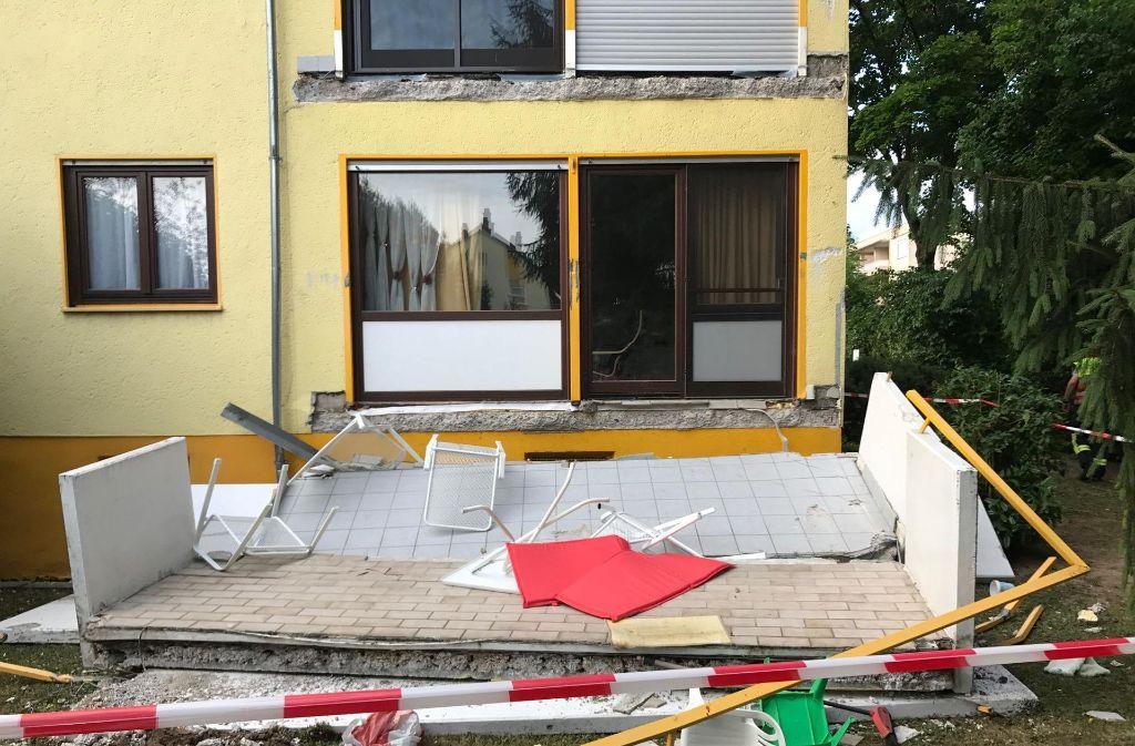 baden w rttemberg balkon st rzt in die tiefe und rei t vater und sohn mit polizeibericht. Black Bedroom Furniture Sets. Home Design Ideas
